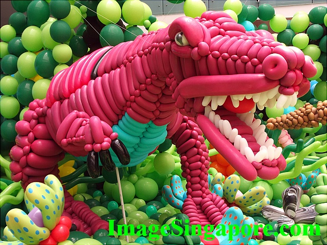 According to the press, more than 85,000 balloons are used for this exhibit - Impressive!
