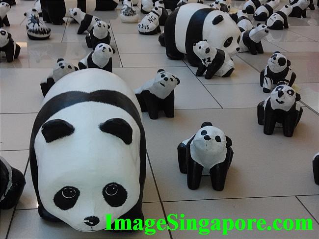 The big fat panda is cute.