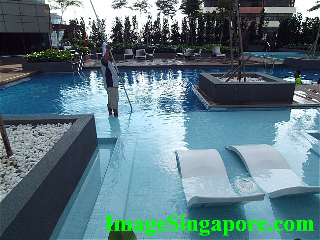 Will try the hotel pool on my next visit.