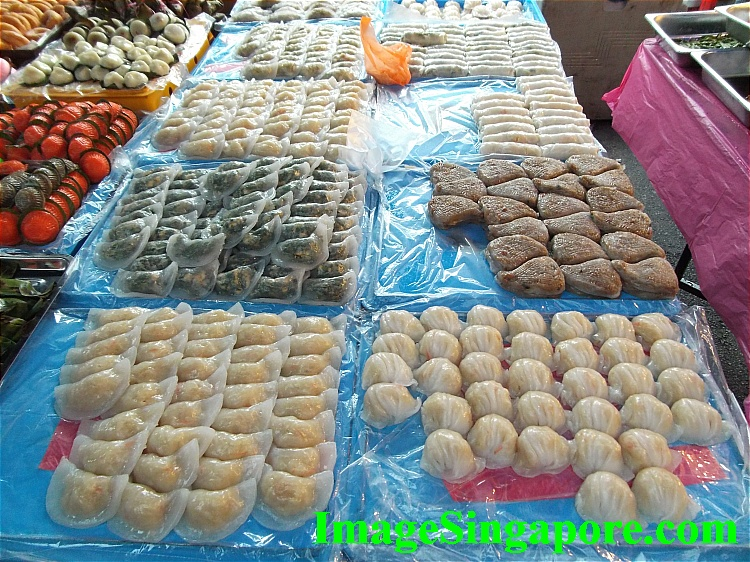 Rows and rows of Kuehs.