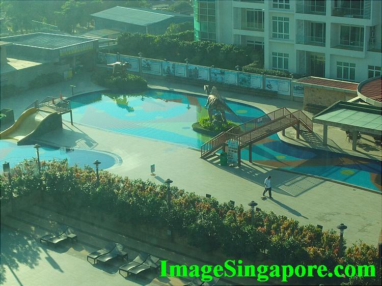 Swimming pool at KSL Hotel
