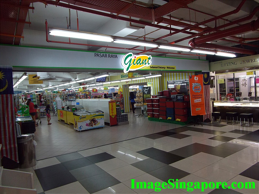 Giant Supermarket at Perling Mall